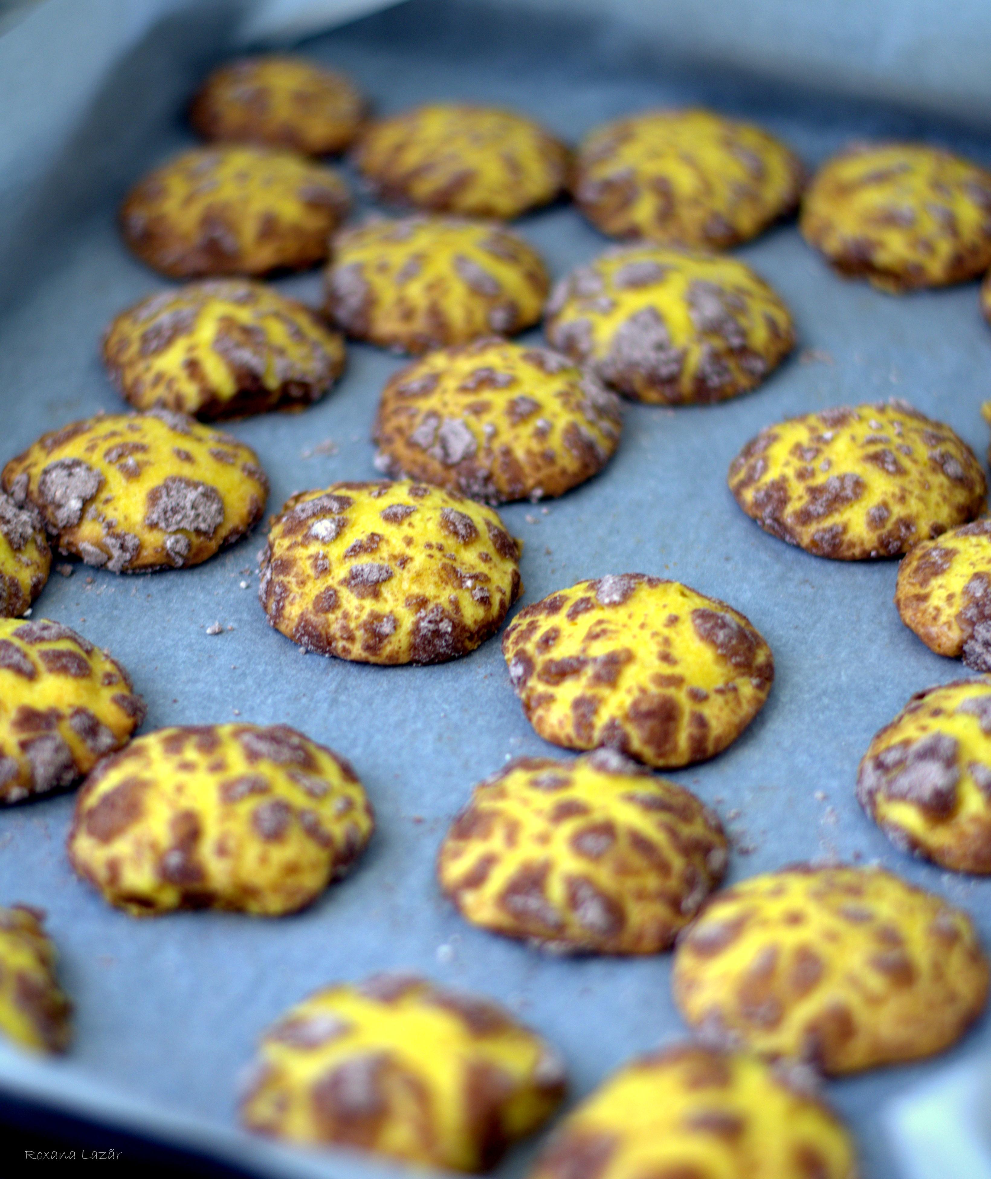Fursecuri cu ciocolata alba si lamaie  – White chocolate & lemon crinckles